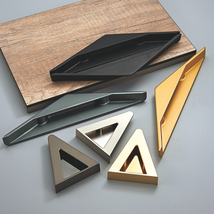 TRIANGLE RECESSED CABINET HANDLE