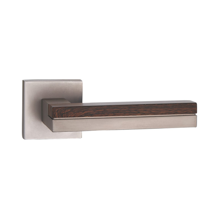 DOOR HANDLE A44-9795 MSN/WOODEN